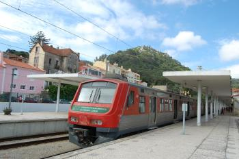 train_back_to_lisbon_from_sintra